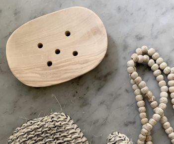 סבוניה מעץ אגוז