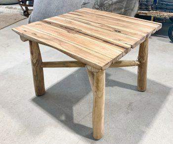 שולחן אינדונזי